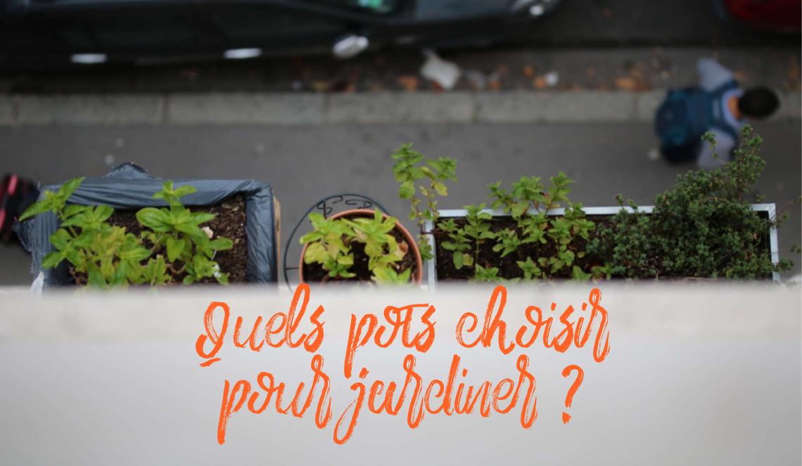 choisir le bon pot : grande jardinière en plastique pour cultiver un potager sur balcon , des plantes aromatiques et des fleurs comestibles comme les œillets de poète. | Échoppe Végétale #jardinagefacile #balcon #poivron #potagerencarré #potagerurbain #jardinière